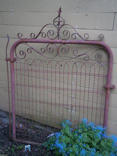 ARCHITECTURAL SALVAGE COTTAGE STYLE WIRE GATE GARDEN YARD ART