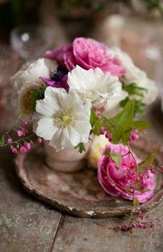 Floral Arrangement ~ lovely je