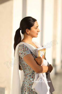 Indian Actress Pics, Pakistani Actress, Bollywood Actress, Indian Actresses, Beautiful Girl Indian, Most Beautiful Indian Actress, Beautiful Actresses, Vintage Bollywood, Bollywood Girls