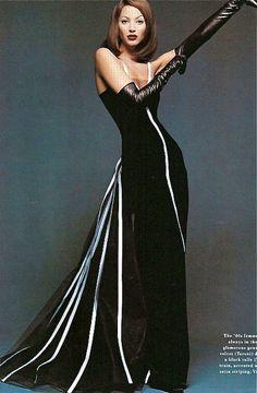 <3 ELEGANT ~ Valentino, Christy Turlington by Patrick Demarchelier