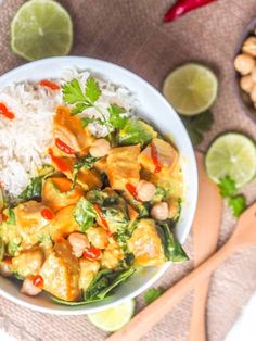 Easy gluten-free and vegan butternut squash curry with spinach and chickpeas. Healthy and nutritious weeknight dinner with Asian flavors. Curry Recipes, Asian Recipes, Vegetarian Recipes, Cooking Recipes, Ethnic Recipes, Sushi Roll Recipes, Butternut Squash Curry, Red Curry Paste, Veggie Stir Fry