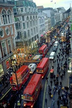 Beautiful Oxford Street in London. great shopping