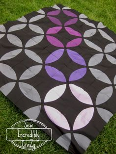 Sew Incredibly Crazy: Accuquilt Block Party - Flowering Snowball