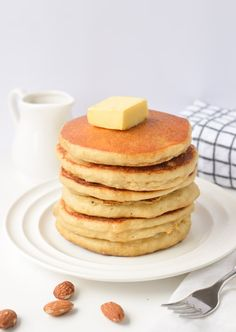 Keto almond flour pancakes easy breakfast with only g net carbs per pan Keto Breakfast Muffins, Low Carb Pancakes, Yogurt Breakfast, Pancakes Easy, Low Carb Breakfast, Fluffy Pancakes, Breakfast Recipes, Healthy Gluten Free Recipes, Low Carb Recipes