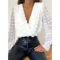 Chemises Sexy, Trend Fashion, Women's Fashion, White Fashion, Mode Chic, Style Mode, Sexy Shirts, Polka Dot Blouse, Polka Dots