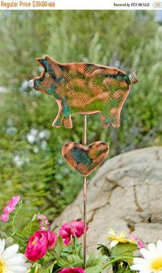 SALE Metal Yard Art Garden Pig Copper Plant Stake / Copper Garden Art / Farmhouse Decoration / Barnyard Sculpture / Pig Pet Memorial