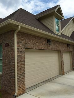 Best Brown Brick Homes White Trim Shutter Color Too Bing 640 x 480