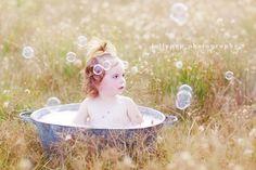 outdoor bubble bath ~ lollypop photography ~ Bendigo children's photographer