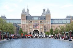 Wondering how to spend 3 days in Amsterdam? This 3 day Amsterdam itinerary is perfect for your first visit! Discover 25 fun things to do + bonus free map. Amsterdam Must See, 3 Days In Amsterdam, Amsterdam Red Light District, Amsterdam Photos, Visit Amsterdam, Amsterdam City, Amsterdam Travel, Lloyd Hotel Amsterdam, Victoria Hotel Amsterdam