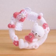 New ideas crochet doll head link Baby Afghan Crochet, Crochet Mittens, Crochet Bear, Crochet Dolls, Vintage Crochet Doily Pattern, Crochet Edging Patterns, Baby Patterns, Layette Pattern, Crochet Wreath