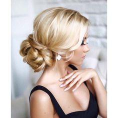 Αποκτήστε το πιο εντυπωσιακό #χτένισμα με τις υπηρεσίες του Home Beaute! Κρατήσεις τηλέφωνο 215 505 0707 #myhomebeaute #χτενισμα #χτενισματα #ξανθια #ομορφιά #μαλλιά #γυναικα #μαλλιά #μαλλια #γαμος #βαφτιση