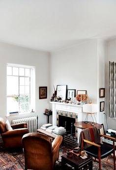 Let's focus on another time-honored living room pastime: conversation. Living Room Interior, Home Living Room, Living Room Designs, Living Room Furniture, Living Room Decor, Living Spaces, Living Room Without Tv, Furniture Stores, Furniture Movers