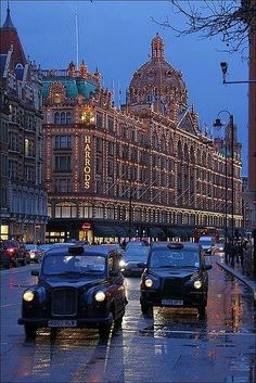 Harrods. One of the most elaborate, grandest shops I've ever had the pleasure of entering! I visit every time I'm in London...though I can afford very little beyond a tin of tea or small packs of stationery.