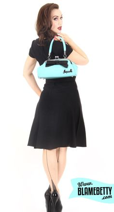 The Floozy purse is guaranteed to make you swoon! Available in a ton of colours, one of our faves <3 #blamebetty #pinupgirl #retrostyle