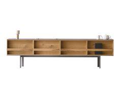 Faszinierend, Mit Zarten Linien Aus Holz Und Minimalistischem Charme.  Dieses Sideboard Ist Von Türen