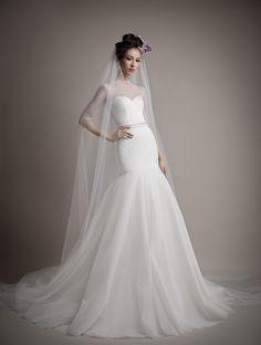 Elegant bride mermaid gown