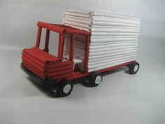 Artesanato e Reciclagem DIY - Como fazer um caminhão de jornal  - https://youtu.be/Tq032921Zp8