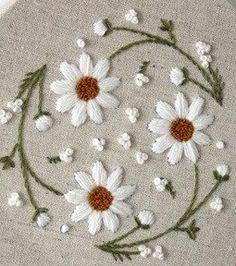 Flores. Margaridas brancas