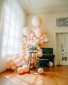 Balloon Garland, Balloons, Romantic, Globes, Balloon, Romance Movies, Romantic Things, Balloon Wreath, Romance