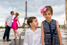 Funny family portraits in Paris. #familyphotographerParis