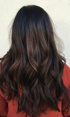 Women Hairstyles For Round Faces .Women Hairstyles For Round Faces Hair Color And Cut, Hair Color Dark, Brown Hair Colors, Brown Hair Balayage, Hair Highlights, Dark Balayage, Long Hair Cuts, Long Hair Styles, Brunette Hair