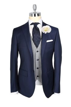 """mypantalones: """" Takes on classic navy blazer/white shirt wedding attire from the guys at Macaroni Tomato. These are all extremely solid looks that utilize a very small part of the color. Der Gentleman, Gentleman Style, Sharp Dressed Man, Well Dressed, Mens Fashion Suits, Mens Suits, Dapper Men, Men Formal, Wedding Suits"""