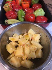 ΜΑΓΕΙΡΙΚΗ ΚΑΙ ΣΥΝΤΑΓΕΣ 2: Γεμιστά από τα ωραιότερα !!! Vegetarian Recipes, Healthy Recipes, Healthy Food, Arabic Food, Greek Recipes, Fruit Salad, Potato Salad, Good Food, Ethnic Recipes