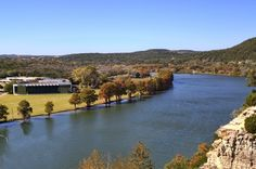 This is Lake Austin, once more, cutting through the banks of the Colorado River; just on the opposite side of Austin Country Club...what a sight ...vivid, crisp hues to make an avid photographer drool...again this sight can be found nowhere in most Texas cities !