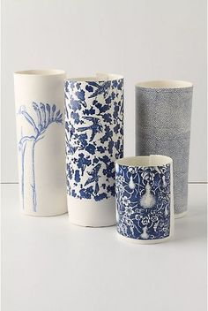 Blue Sketch Decoration: Paper Sketch Vases by Samantha Robinson♥ Ceramic Clay, Ceramic Plates, Ceramic Pottery, Samantha Robinson, Keramik Vase, Blue And White China, Flower Vases, White Ceramics, Slab Ceramics