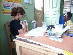 A UBELONG volunteer working at a hospital in Accra, Ghana. #volunteer #ghana