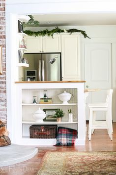 bHome for the Holidays, Decorating with Evergreens