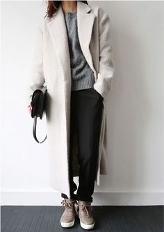 minimalist style + capsule wardrobe inspiration: — curated by minimalism.co