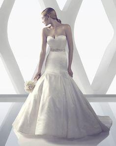 The fitted Italian Duchess Silk sweetheart bodice flows into a · Stunning Wedding  DressesWedding Dress ... 61190161fcbb
