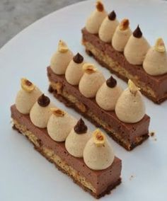 Fluff Desserts, Fancy Desserts, Chocolate Desserts, Delicious Desserts, Dessert Salads, Dessert Recipes, Dessert Restaurants, Cake Roll Recipes, Banana Pudding Recipes