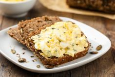 Health How to Make A Buttermilk-Herb Egg Salad Sandwich – Health How to Make A Buttermilk-Herb Egg Salad Sandwich Search Source link. Rye Bread Recipes, Quiche Recipes, Egg Recipes, Egg Salad Sandwiches, Healthy Sandwiches, Wraps, Egg Dish, Easy Snacks, Eggs