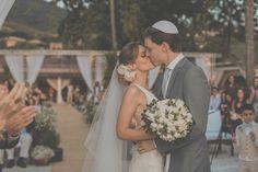 casamento-praia-ilhabela-fotografia-mel-e-cleber-vestido-de-noiva-emannuelle-junqueira-13