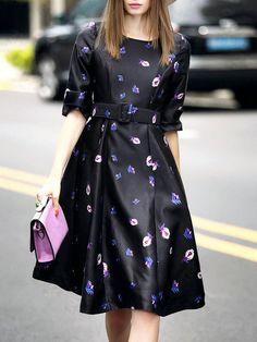 Black Round Neck Half Sleeve Drawstring Flare Print Dress