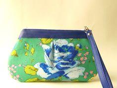 Zipper clutch zipper wristlet  woman wallet with by TinyDaisy