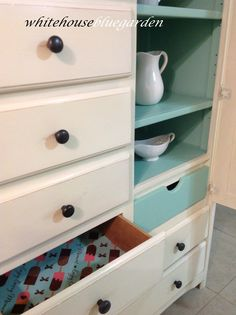 Cute Popsicle paper inside drawers
