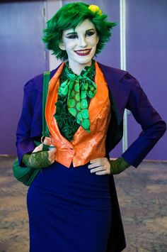 Female Joker cosplay at Wonder Con 2013  Awesome.