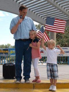 CA-26: Senator Tony Strickland with his children at Ventura County GOP event