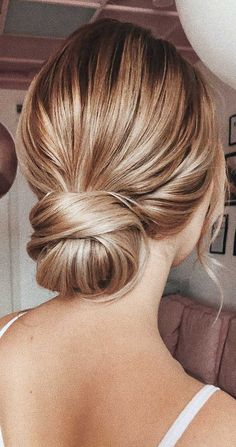 chic updo hairstyles updo for medium hair updo hairstyles for weddings updo hairstyles for prom classic updo hairstyles best updo hairstyles posh updo hairstyles classy updo hairstyles like and comment Classic Updo Hairstyles, Formal Hairstyles For Long Hair, Hairstyles For Medium Length Hair Easy, Ball Hairstyles, Up Dos For Medium Hair, Medium Hair Styles, Long Hair Styles, Classy Hairstyles Medium, Bride Hairstyles