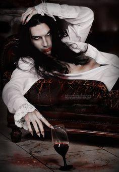 Vampirical Guys Male Vampire, Vampire Love, Vampire Art, Vampire Images, Vampire Pictures, Vampire Queen, Dark Beauty, Gothic Beauty, Vampire Masculin