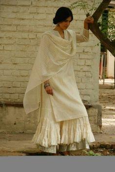 HappyShappy - India's Own Social Commerce Platform Indian Attire, Indian Ethnic Wear, Indian Suits, Pakistani Dresses, Indian Dresses, Pakistani Suits, Sabyasachi Suits, Pakistani Culture, Lucknowi Suits