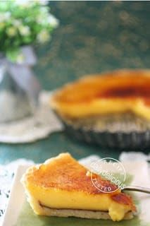 Lemon tart with layer of chocolate - delicious - Gordon Ramsey Lemon Desserts, Lemon Recipes, Tart Recipes, Chef Recipes, Just Desserts, Sweet Recipes, Baking Recipes, Delicious Desserts, Dessert Recipes