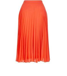 """Work bright red hues for the summer with this pleated midi skirt - opt for a laid back finish when paired with black crop top and hi-top plimsolls.- Pleated design- Zip side fastening- Casual fit that is true to size- Midi length- Model is 5'8""""/176cm and wears UK 10/EU 38/US 6"""