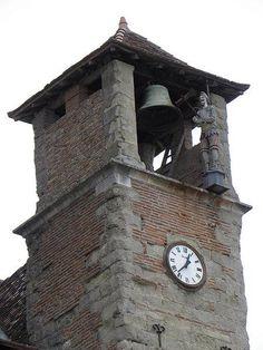Cadran d'horloge Bodet installé sur la tour jacquemart de la cathédrale Saint-Alain de Lavaur, Tarn, Midi-Pyrénées-Languedoc-Roussillon.