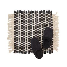 This durable yet comfortable rug is woven from reclaimed yarn and bicycle tire inner tubes.