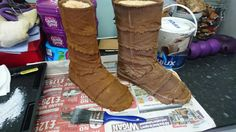 Jawa boots: additional weathering applied, dry-brushing with Dulux 'Egyptian Cotton'