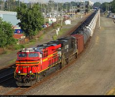 RailPictures.Net Photo: NS 8114 Norfolk Southern GE ES44AC at Hammond, Indiana by Larry Amaloo